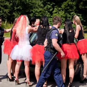 mergvakariai-mergvakaris-policijoje-sulaikymas